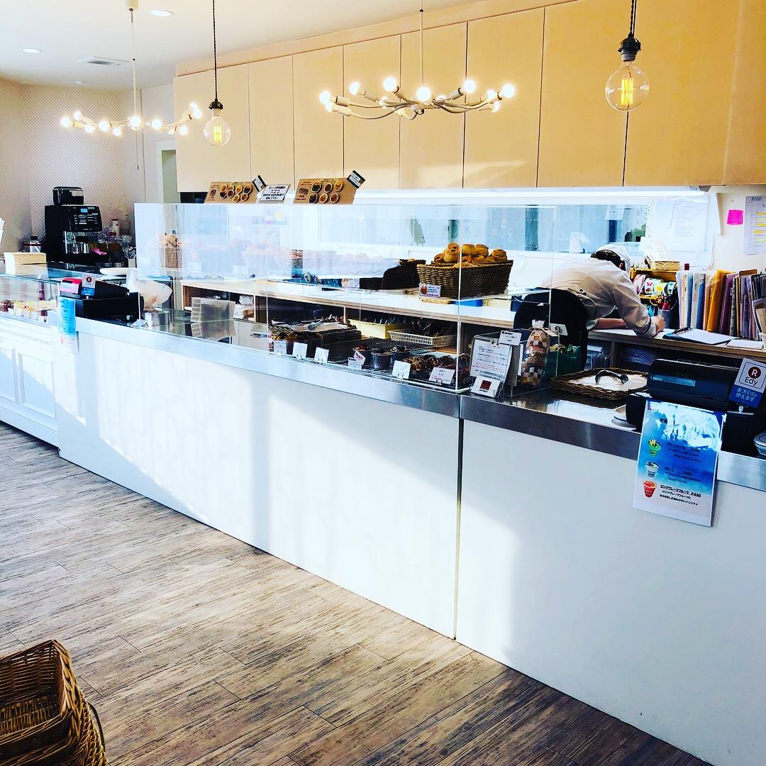 宜野湾市「ジャーダン」でコーヒーに合うスコーン、マフィンと焼き菓子を。